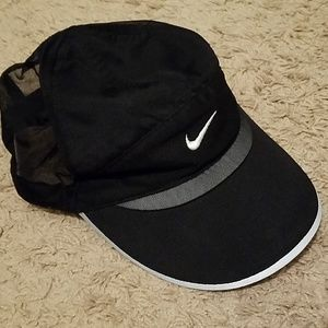 Nike women lightweight hat